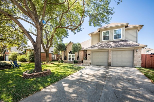 4504 Chadourne Court, Grapevine, TX - USA (photo 3)