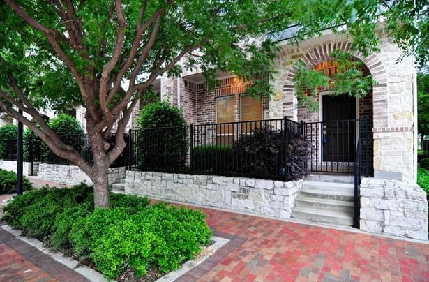 15855 Breedlove Place, Addison, TX - USA (photo 2)