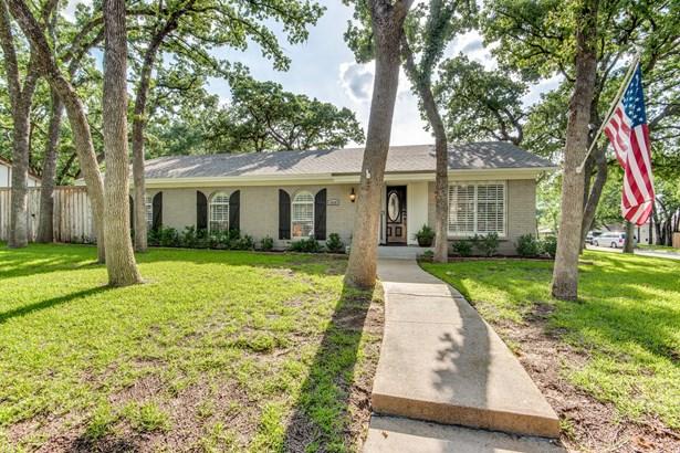 1409 Cedar Ridge Terrace, Euless, TX - USA (photo 1)