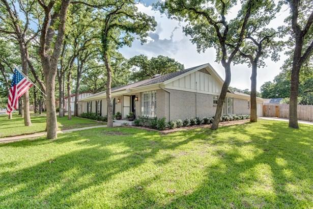 1409 Cedar Ridge Terrace, Euless, TX - USA (photo 2)