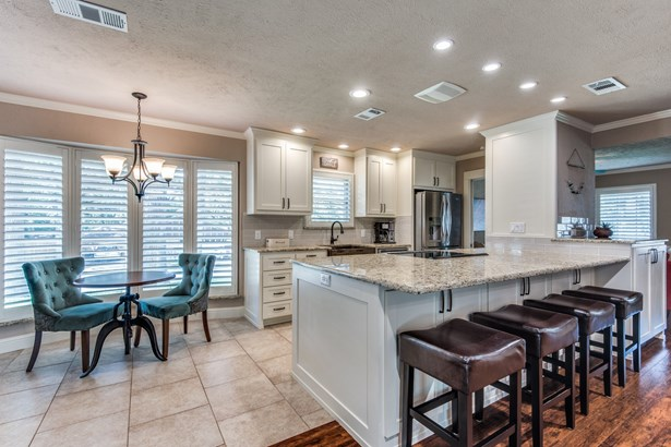 1409 Cedar Ridge Terrace, Euless, TX - USA (photo 4)
