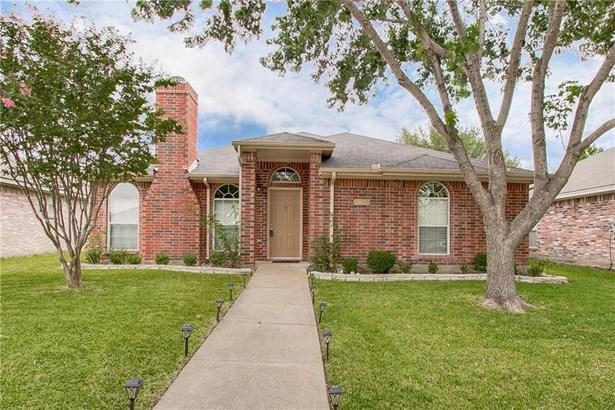 2528 Hidden Springs Drive, Mesquite, TX - USA (photo 1)