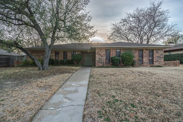 741 N Old Orchard Lane, Lewisville, TX - USA (photo 1)