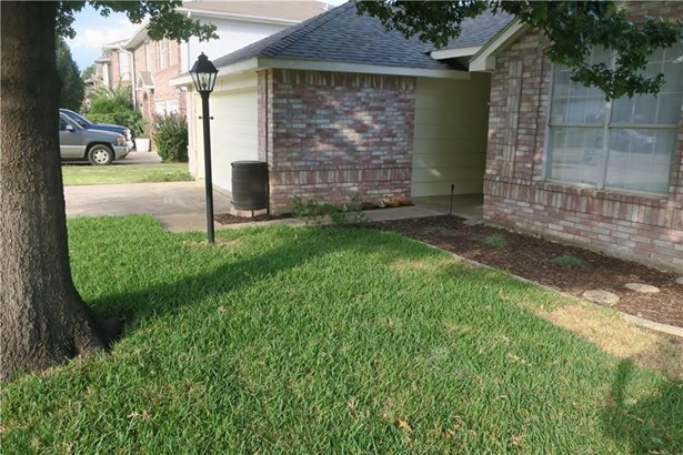 2115 Meadowview Drive, Corinth, TX - USA (photo 2)