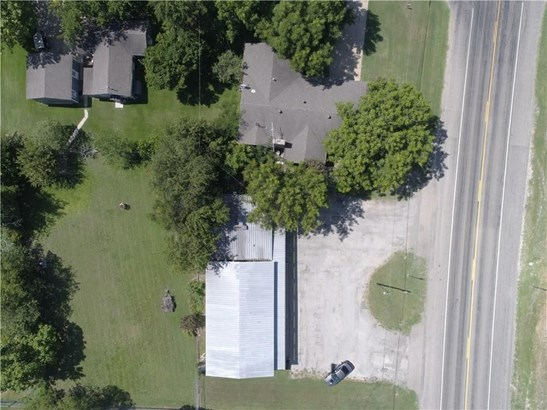 105 E Young Street, Howe, TX - USA (photo 5)