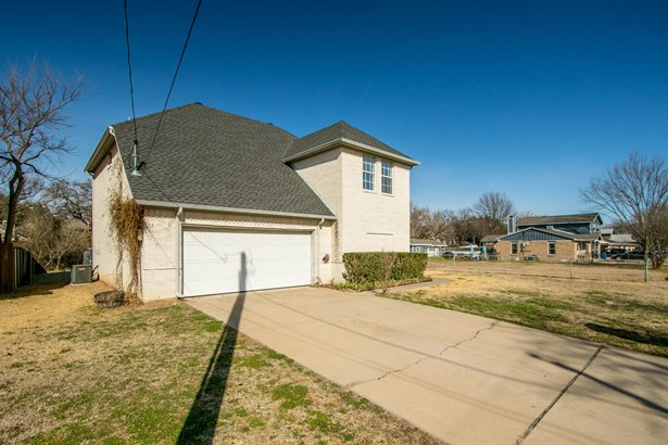 332 Kaye Street, Coppell, TX - USA (photo 2)