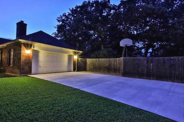 5209 Elm Street, Colleyville, TX - USA (photo 3)