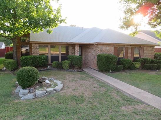 4605 Queen Circle, The Colony, TX - USA (photo 1)