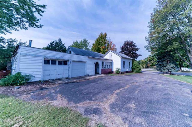 1 Story, Residential - MANAWA, WI (photo 2)