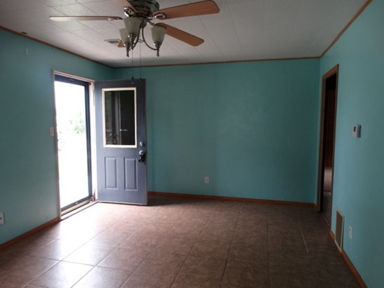 1 Story, Residential - MENASHA, WI (photo 2)