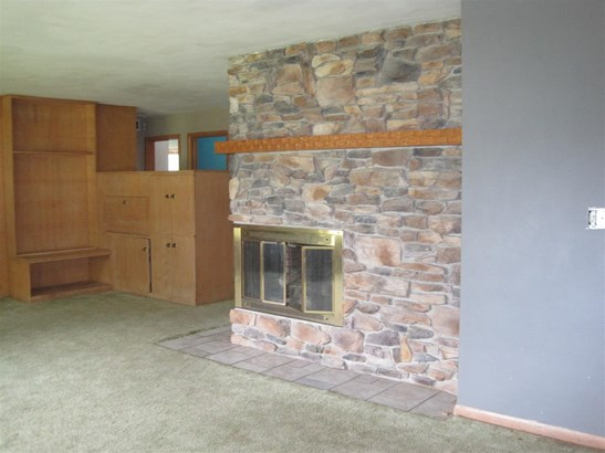 1 Story, Residential - CLINTONVILLE, WI (photo 4)