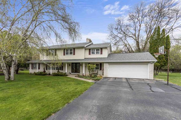 Colonial, 2 Story - Appleton, WI