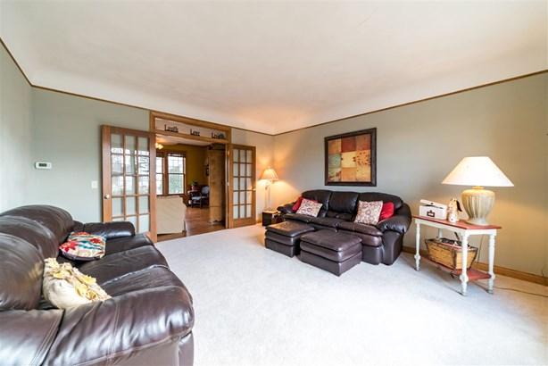 Residential, Bi-Level - APPLETON, WI (photo 3)