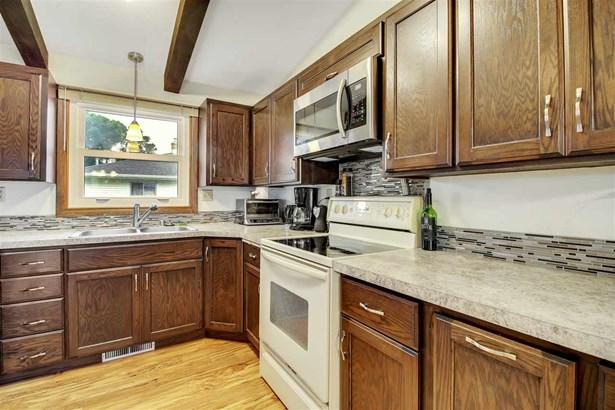 1 Story, Residential - APPLETON, WI (photo 5)