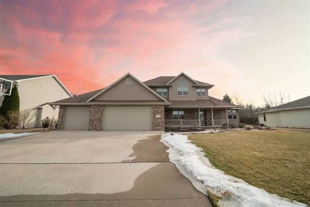 Residential, 2 Story - NEENAH, WI (photo 1)