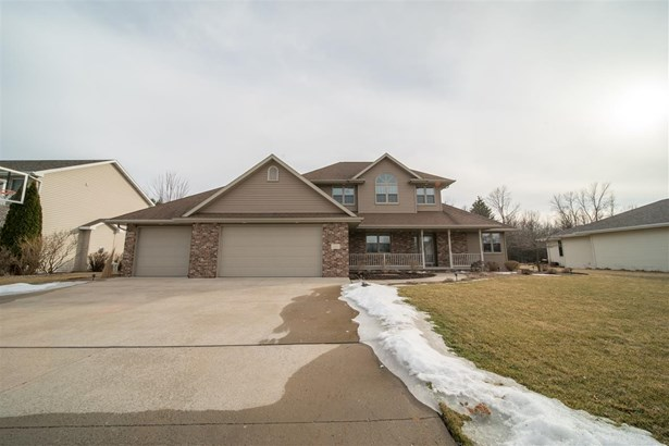 Residential, 2 Story - NEENAH, WI (photo 2)