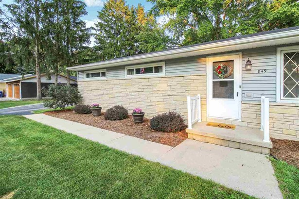 1 Story, Residential - NEENAH, WI (photo 2)