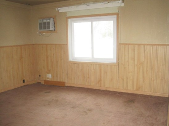 1 Story, Ranch - New London, WI (photo 4)