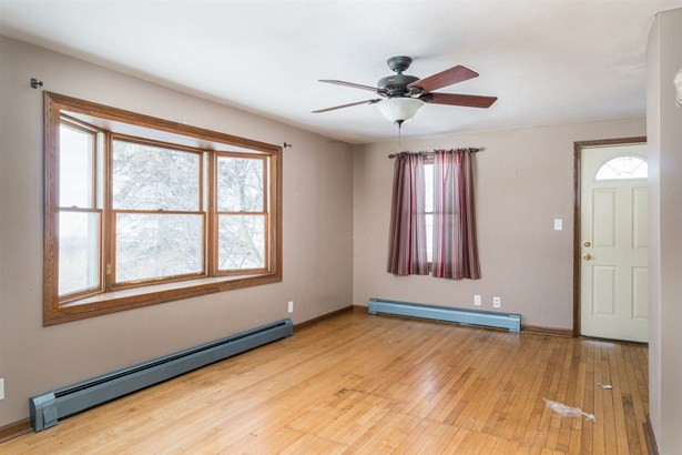 1.5 Story, Residential - HORTONVILLE, WI (photo 3)