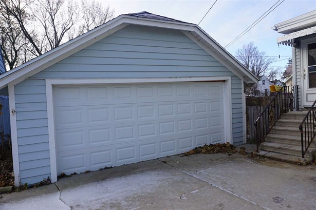 Residential, 2 Story - FOND DU LAC, WI (photo 2)