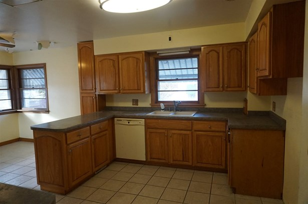 Residential, 2 Story - FOND DU LAC, WI (photo 3)
