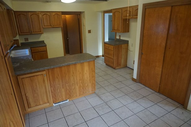 Residential, 2 Story - FOND DU LAC, WI (photo 5)