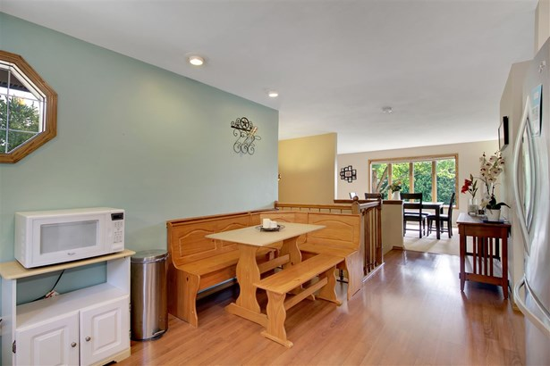 Residential, Bi-Level - APPLETON, WI (photo 5)