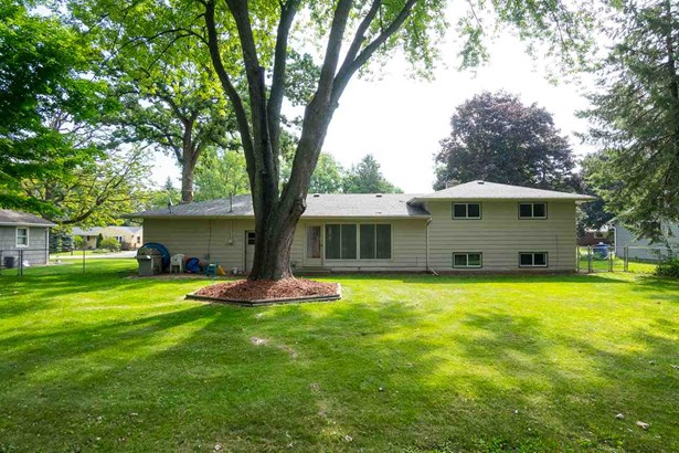 Tri-Level, Residential - NEENAH, WI (photo 3)