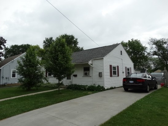 1 Story, Residential - MENASHA, WI (photo 1)