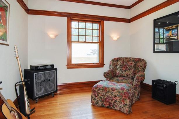 Music Room (photo 5)