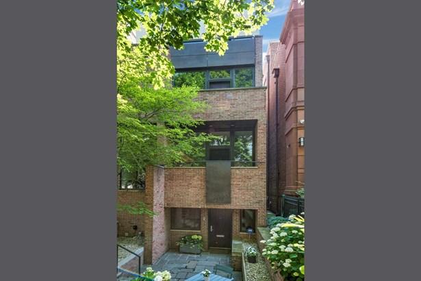 Dirk Dennison Architects: 2427 N Burling Street Li