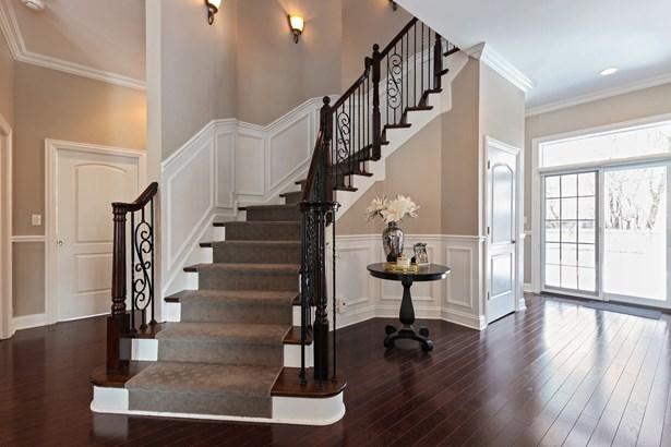 Staircase (photo 3)