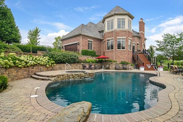 Pool (photo 1)
