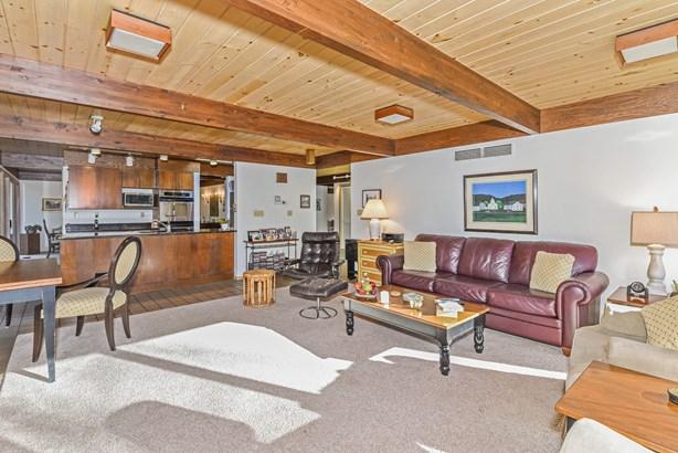 Family Room,  Breakfast Area & Kitchen (photo 5)