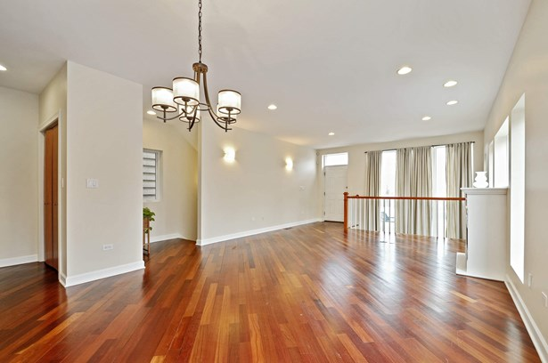 Living Room/Dining Room (photo 3)