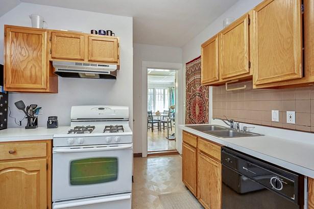 2122 Harrison #2 Kitchen and Sun room (photo 5)