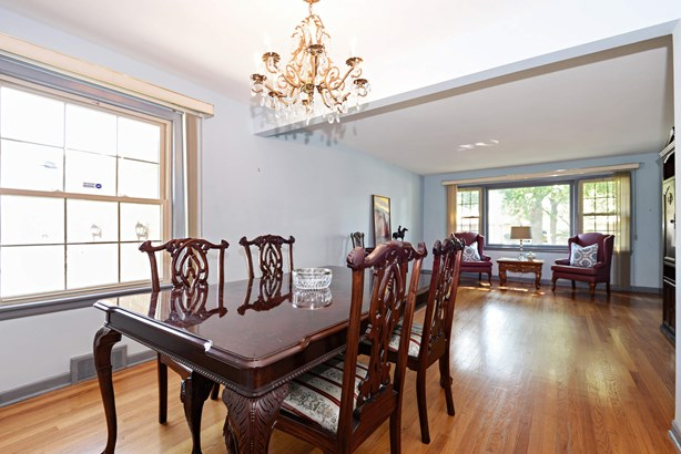 Living Room / Dining Room (photo 2)