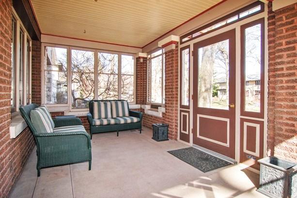 Porch (photo 3)