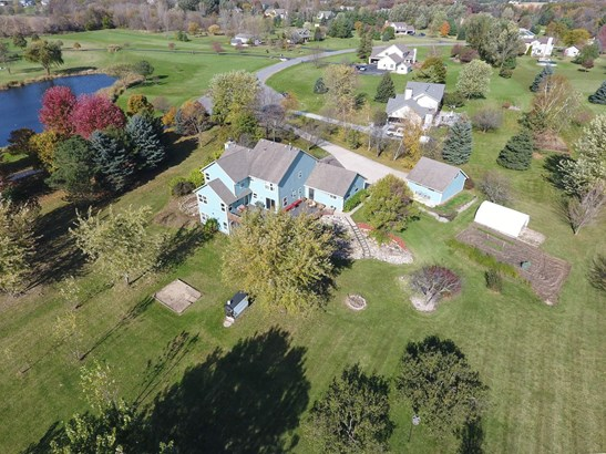25737 White Tail Ct, Waterford, WI - USA (photo 3)