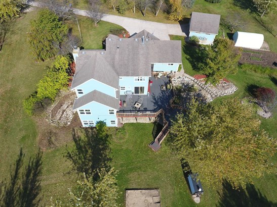 25737 White Tail Ct, Waterford, WI - USA (photo 4)