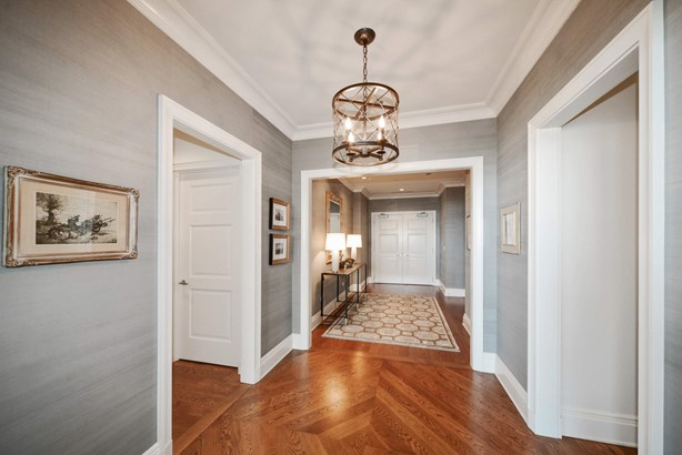 Double Foyer (photo 2)