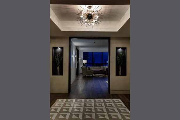 Gracious entry foyer with stunning city view (photo 2)