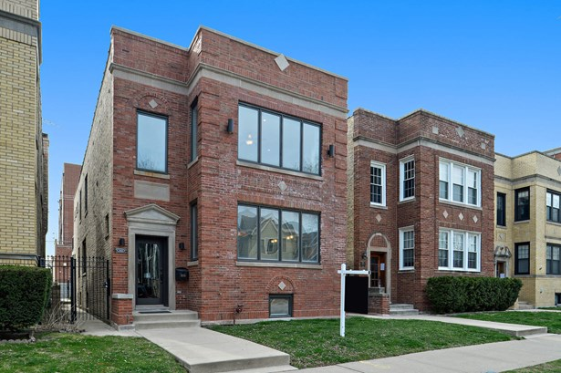 3926 N Claremont Avenue, Chicago, IL - USA (photo 1)
