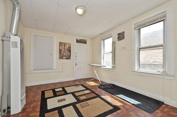 Unit 3 Living Room (photo 4)