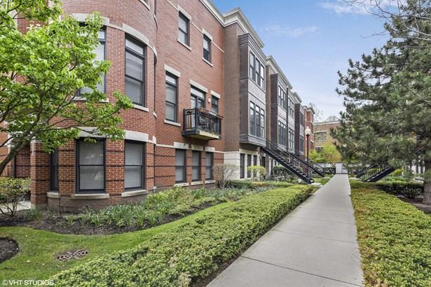 835 W Village Court, Chicago, IL - USA (photo 1)