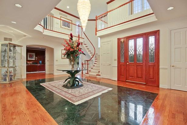 Grand 2- Story Foyer (photo 2)