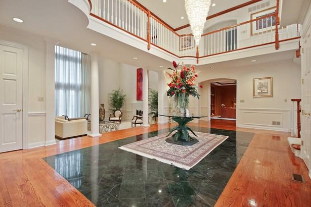 Grand 2-Story Foyer (photo 3)