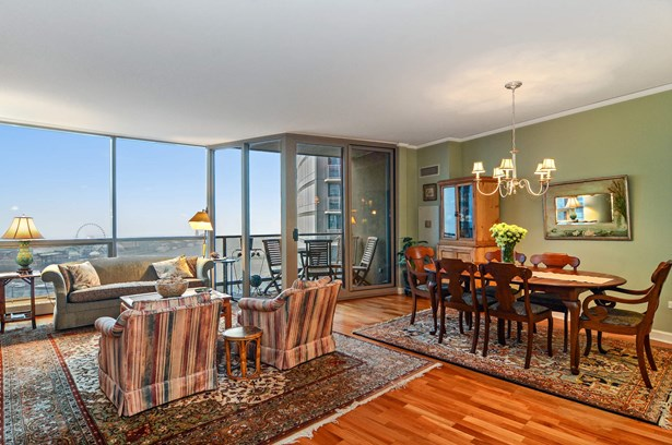 Living/Dining Area with Balcony & Magnificent View (photo 2)