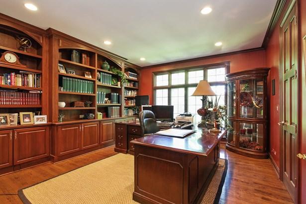 Office (photo 4)