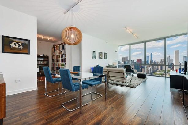 Living Room / Dining Area / Den (photo 3)